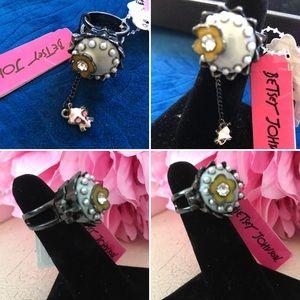 🌺 Betsey Johnson  Fabulous Cupcake Ring